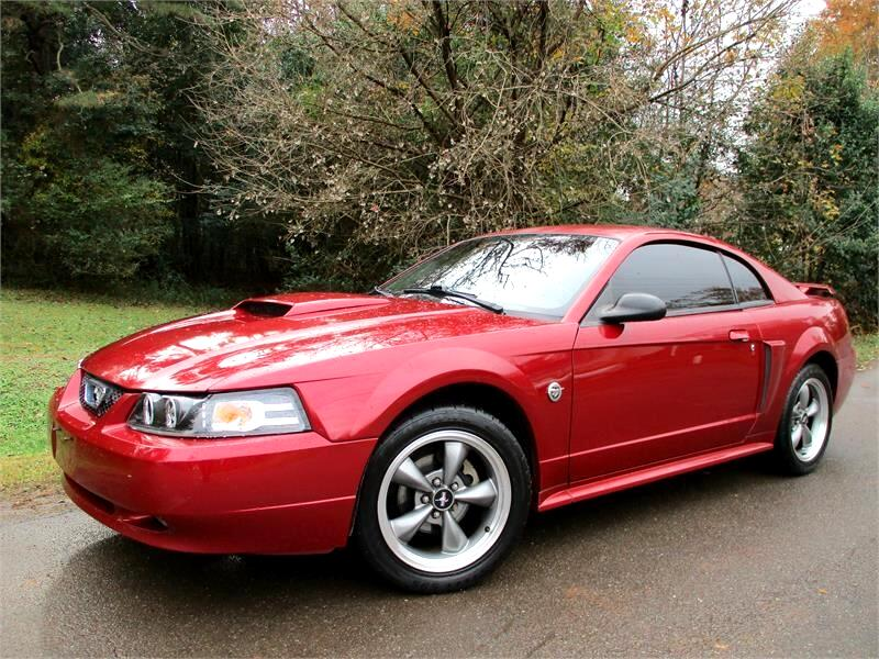 2004 Ford Mustang 2dr Cpe GT Deluxe
