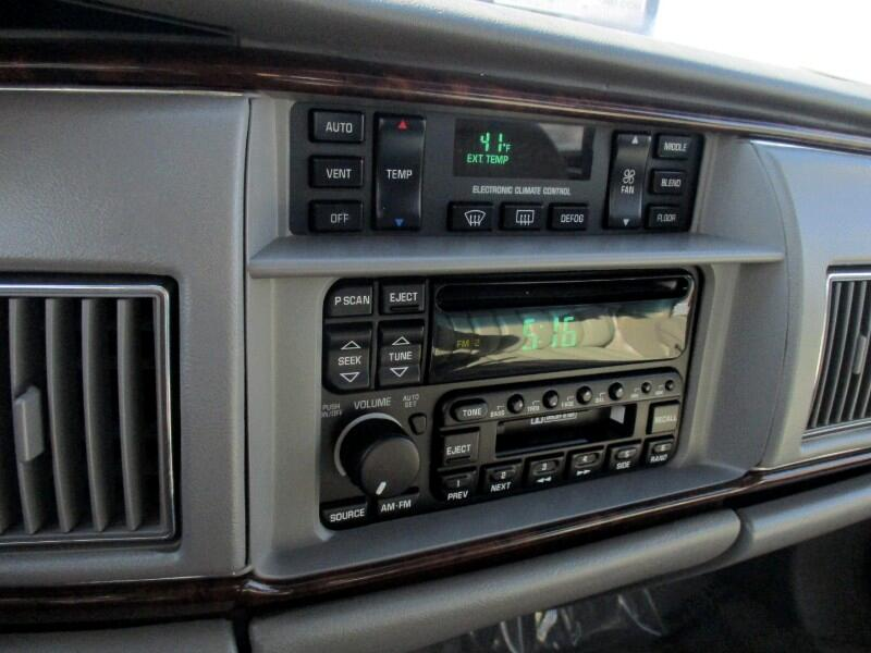 1996 Buick Roadmaster 4dr Sedan