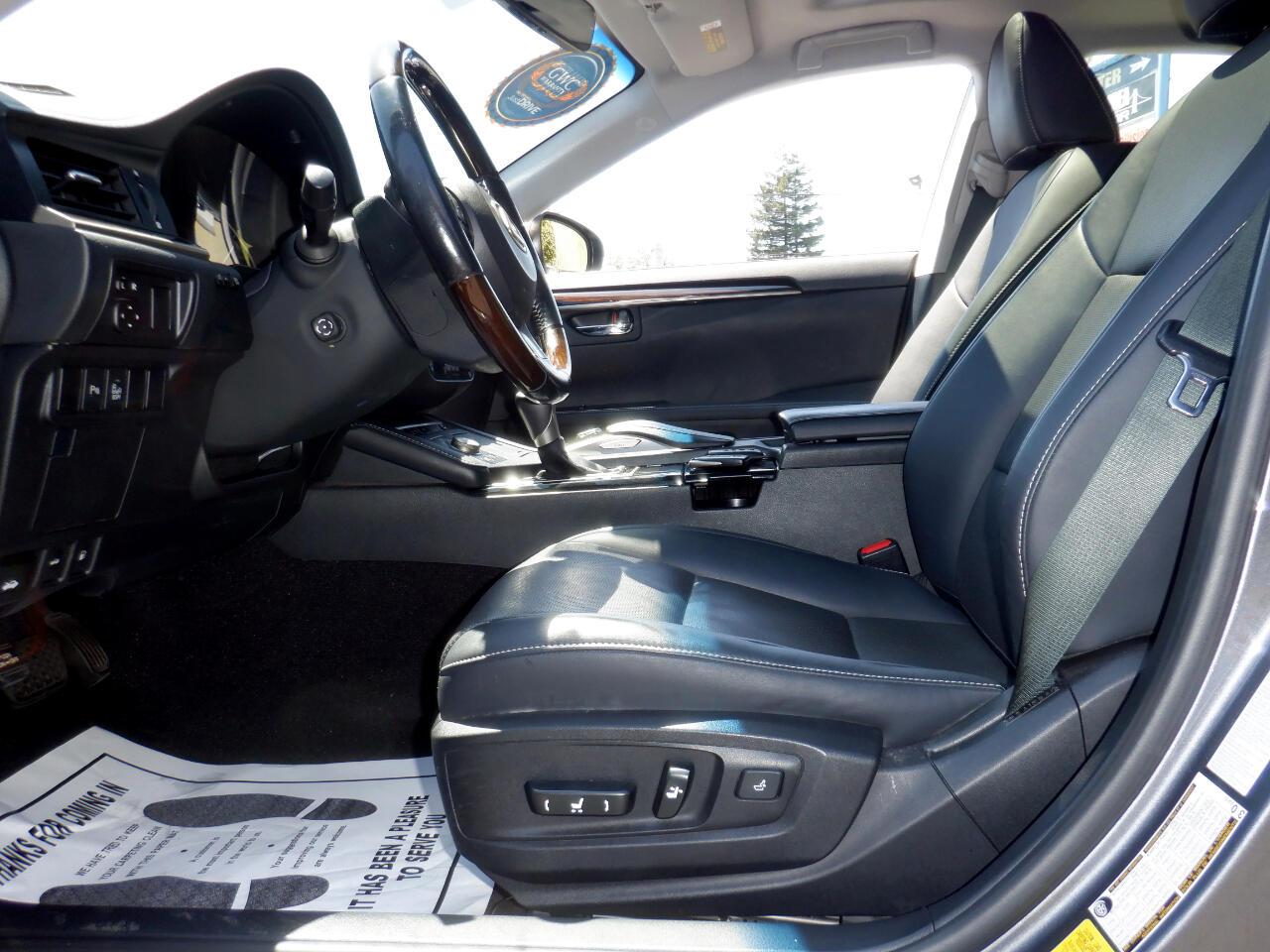 Lexus ES 300h  2016