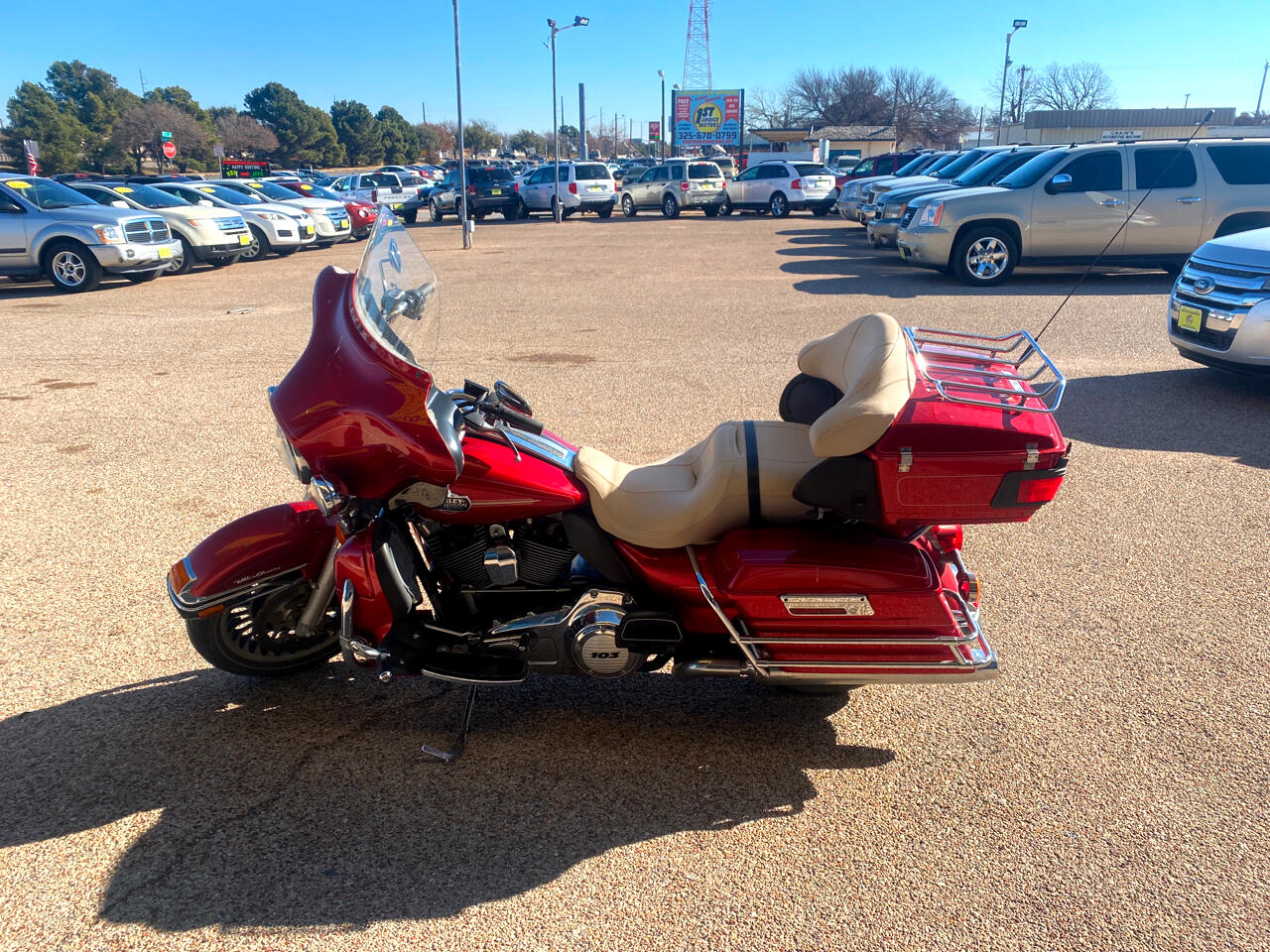 Harley-Davidson FLHTCU  2012