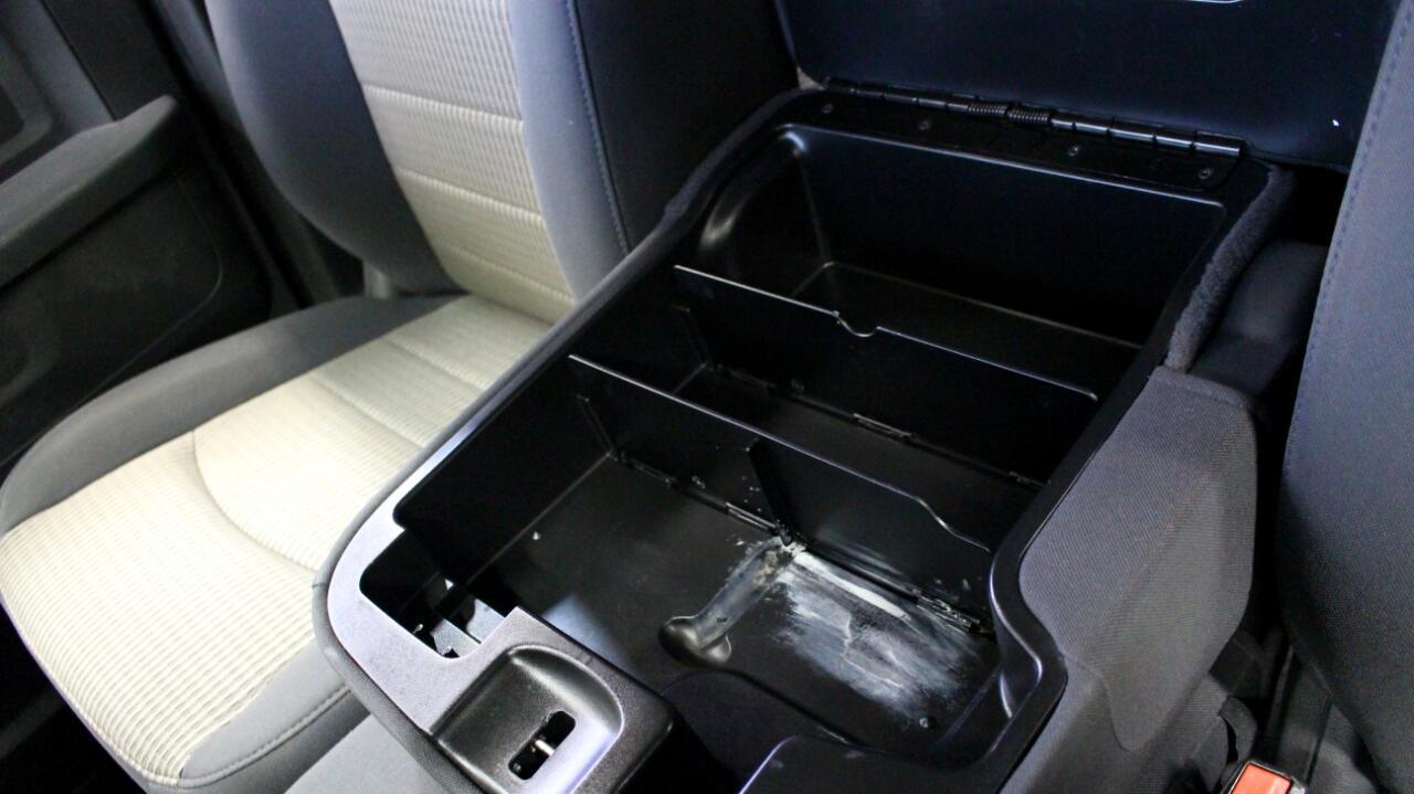 2011 RAM 1500 4WD Quad Cab 140.5