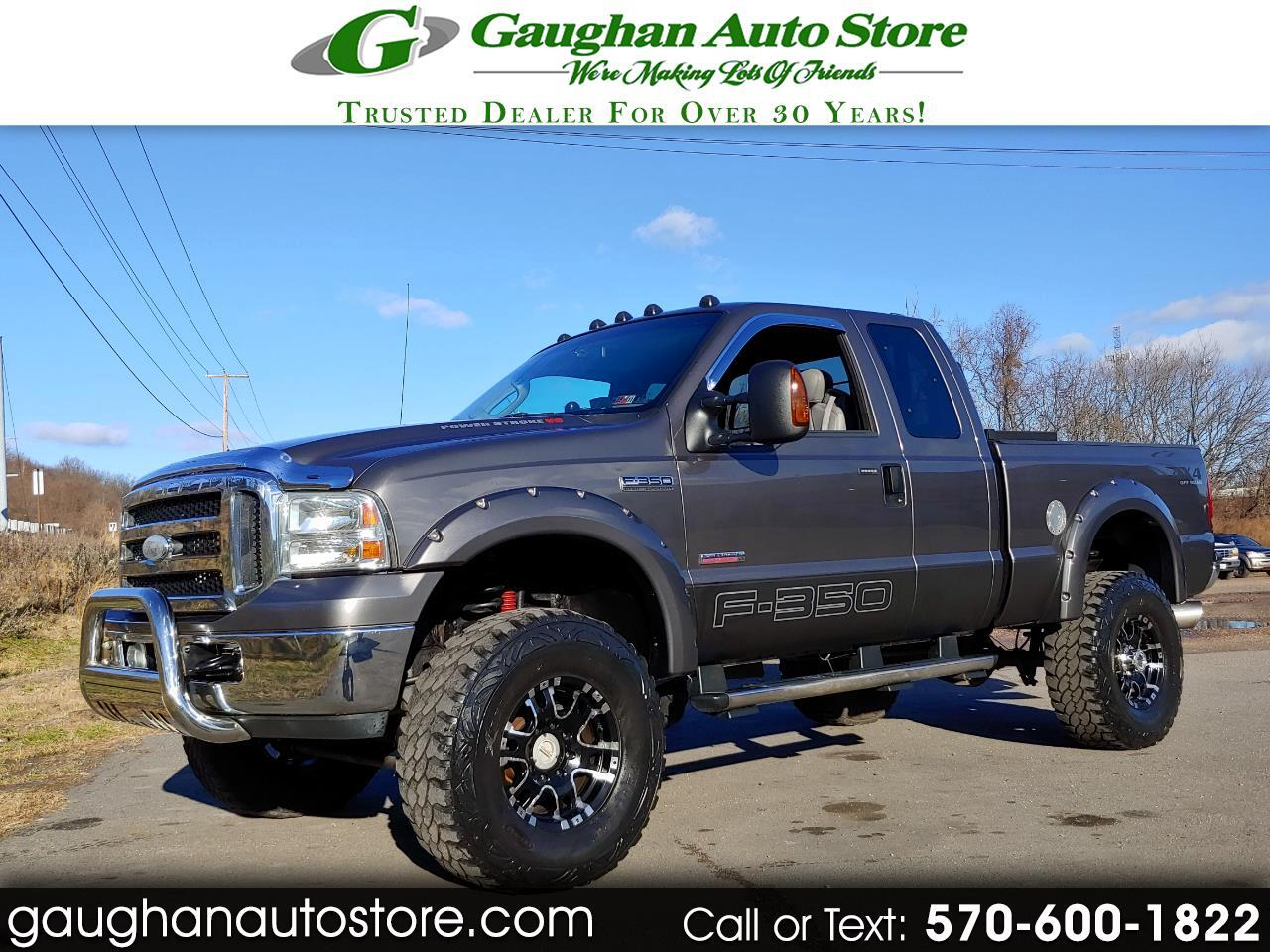 "2006 Ford Super Duty F-350 SRW Supercab 142"" Lariat 4WD"