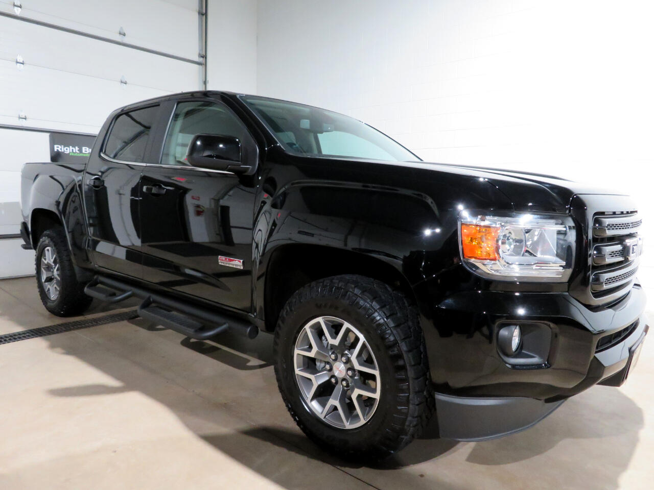 GMC Canyon All Terrain Crew Cab w/Leather Short Box 4WD 2019