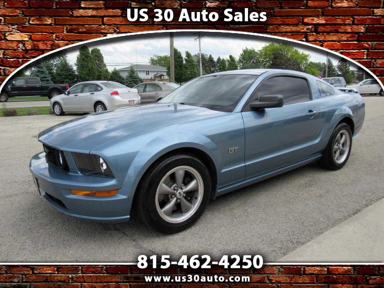 Ford Mustang 2dr Cpe GT Deluxe 2006
