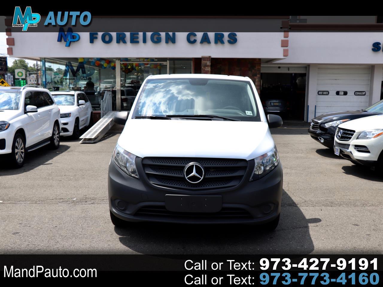 "Mercedes-Benz Metris Passenger Van Standard Roof 126"" Wheelbase 2017"