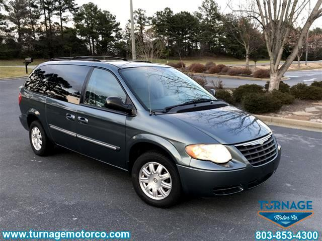 2006 Chrysler Town & Country 4dr Touring FWD