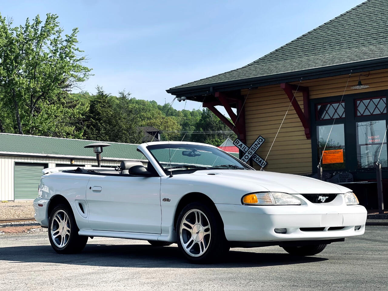Ford Mustang GT convertible 1997