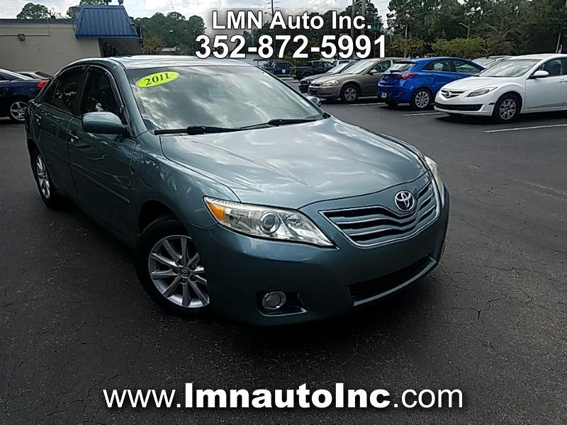 Toyota Camry 4dr Sdn XLE Auto (Natl) 2011