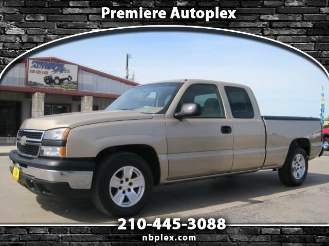 2007 Chevrolet Silverado Classic 1500 LT Extended Cab 2WD 5.3L V-8 Automatic Nice Clean