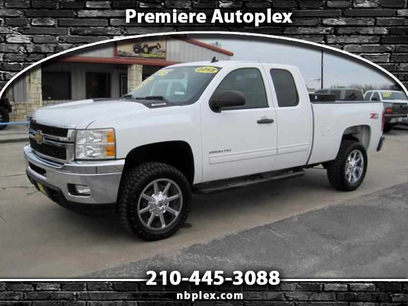 2013 Chevrolet Silverado 2500HD LT Ext Cab Z71 4x4 6.0L V-8 Automatic Lifted 20