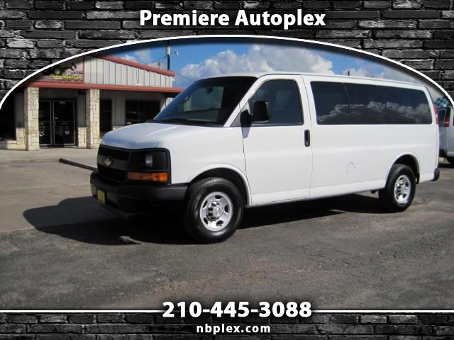 2011 Chevrolet Express 2500 SWB 12 Passenger Van 4.8L V-8 Nice Low Miles