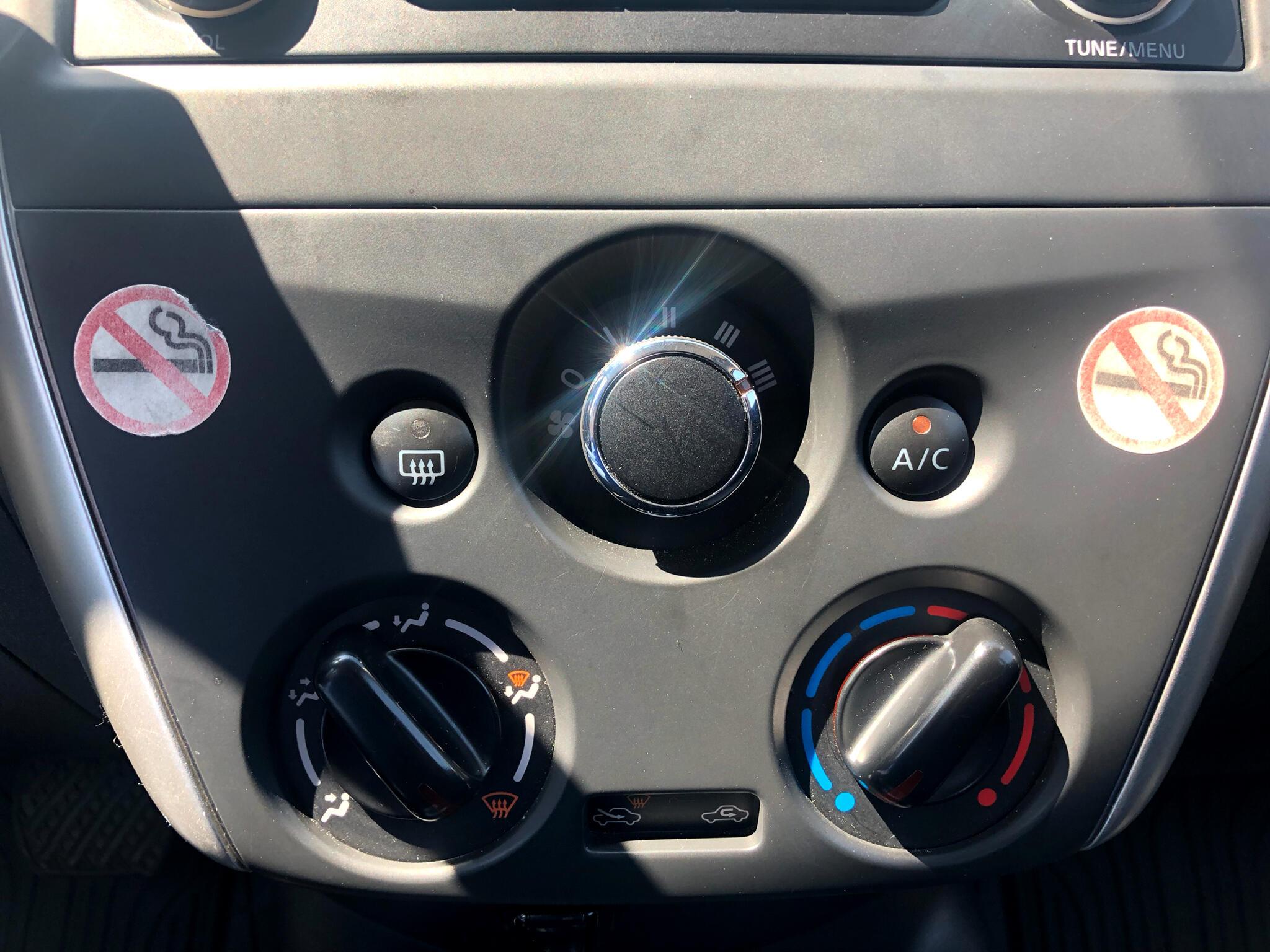 2018 Nissan Versa Sedan SV CVT