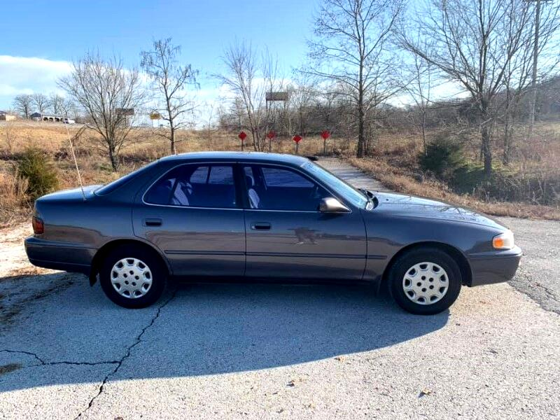 Toyota Camry LE 1996