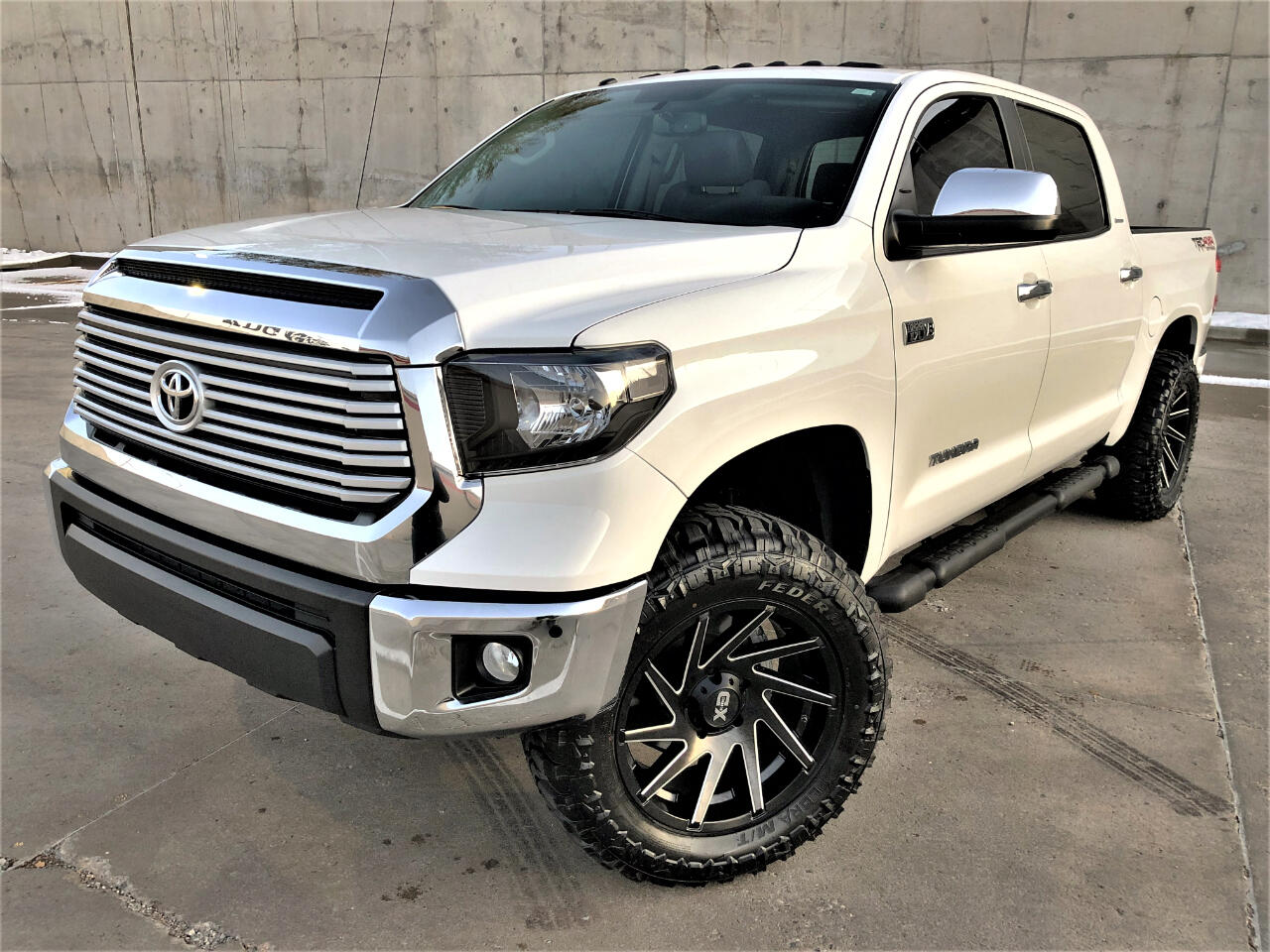 2016 Toyota Tundra 4WD Truck CrewMax 5.7L FFV V8 6-Spd AT LTD (Natl)