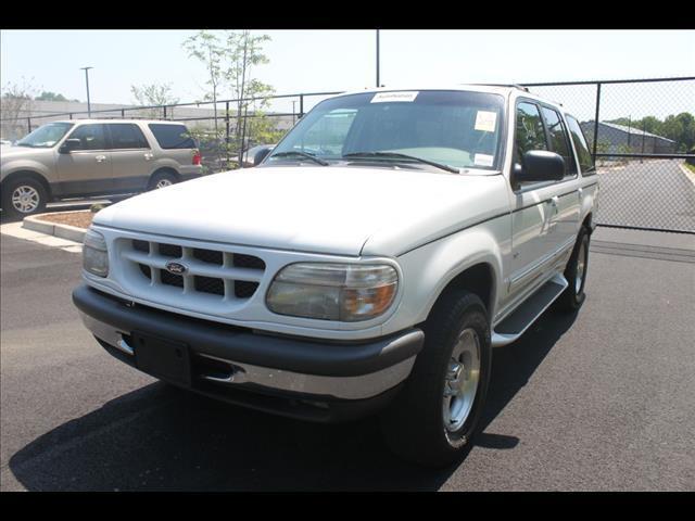 1998 Ford Explorer XL 4-Door 2WD
