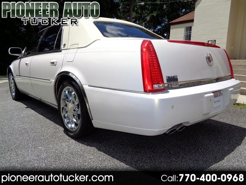 Cadillac DTS Sedan 2007