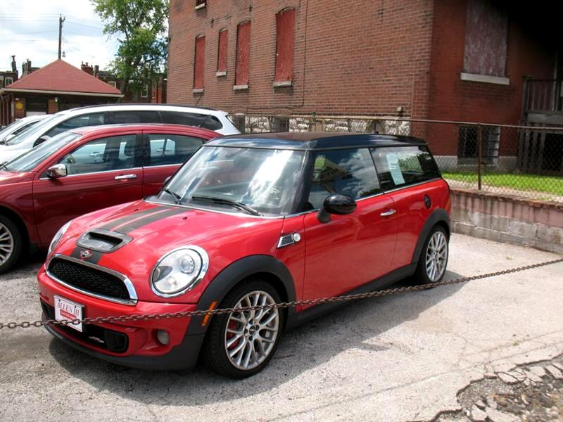 MINI Clubman John Cooper Works 2011