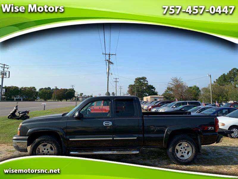 Chevrolet Silverado 1500 LS Ext. Cab Long Bed 4WD 2004