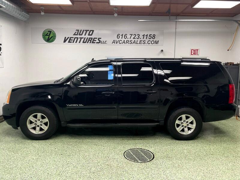 GMC Yukon XL 4WD 4dr 1500 SLE 2011