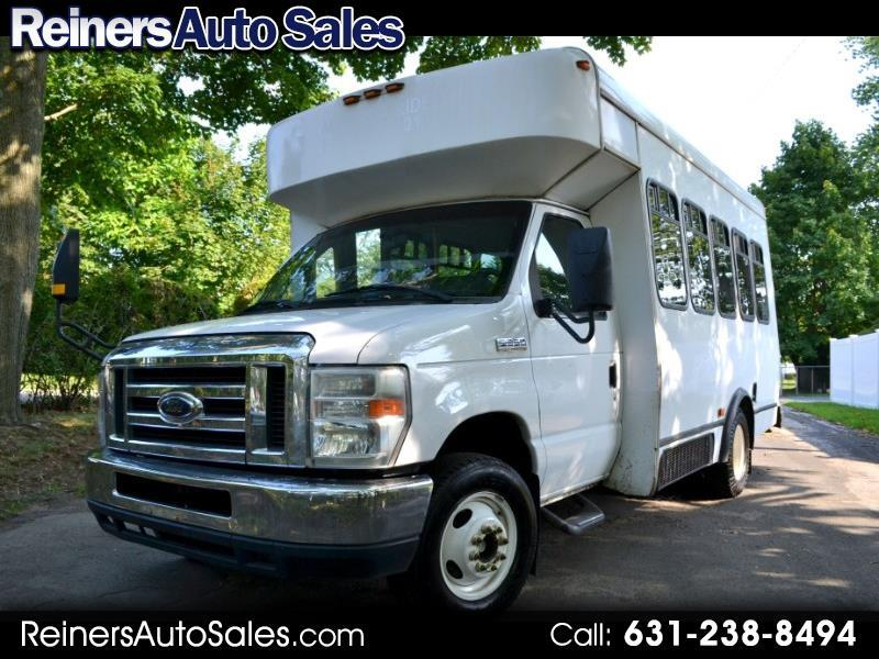 Ford Econoline E-350 Super Duty 2009