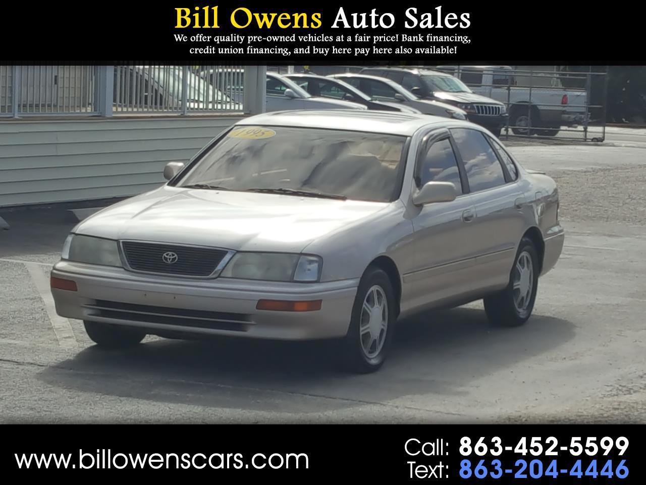 Toyota Avalon 4dr Sedan XLS w/Bench Seat 1995