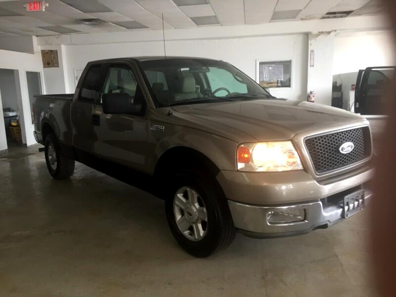 2004 Ford F-150 S SuperCab Short Bed 2WD
