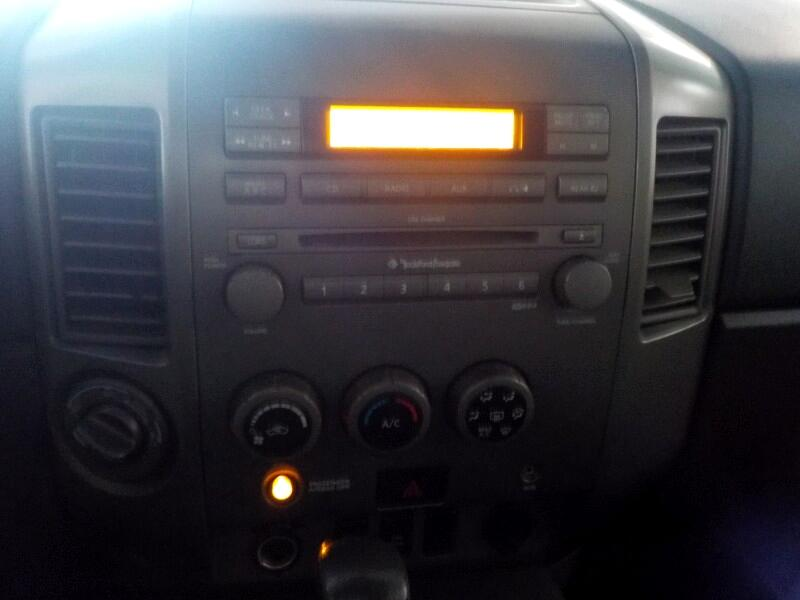 2005 Nissan Titan XE Crew Cab 4WD