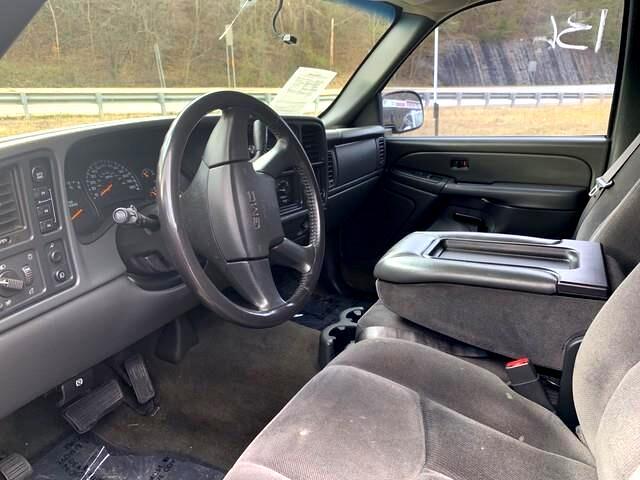 2005 GMC Sierra 1500 Short Bed 4WD