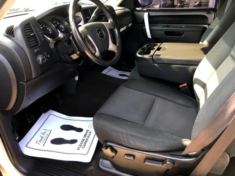 2011 Chevrolet Silverado 1500 LT Ext. Cab Long Box 4WD