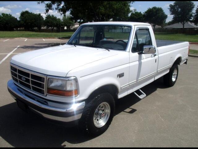 """1993 Ford F-150 4WD Reg Cab 126"""" XLT"""