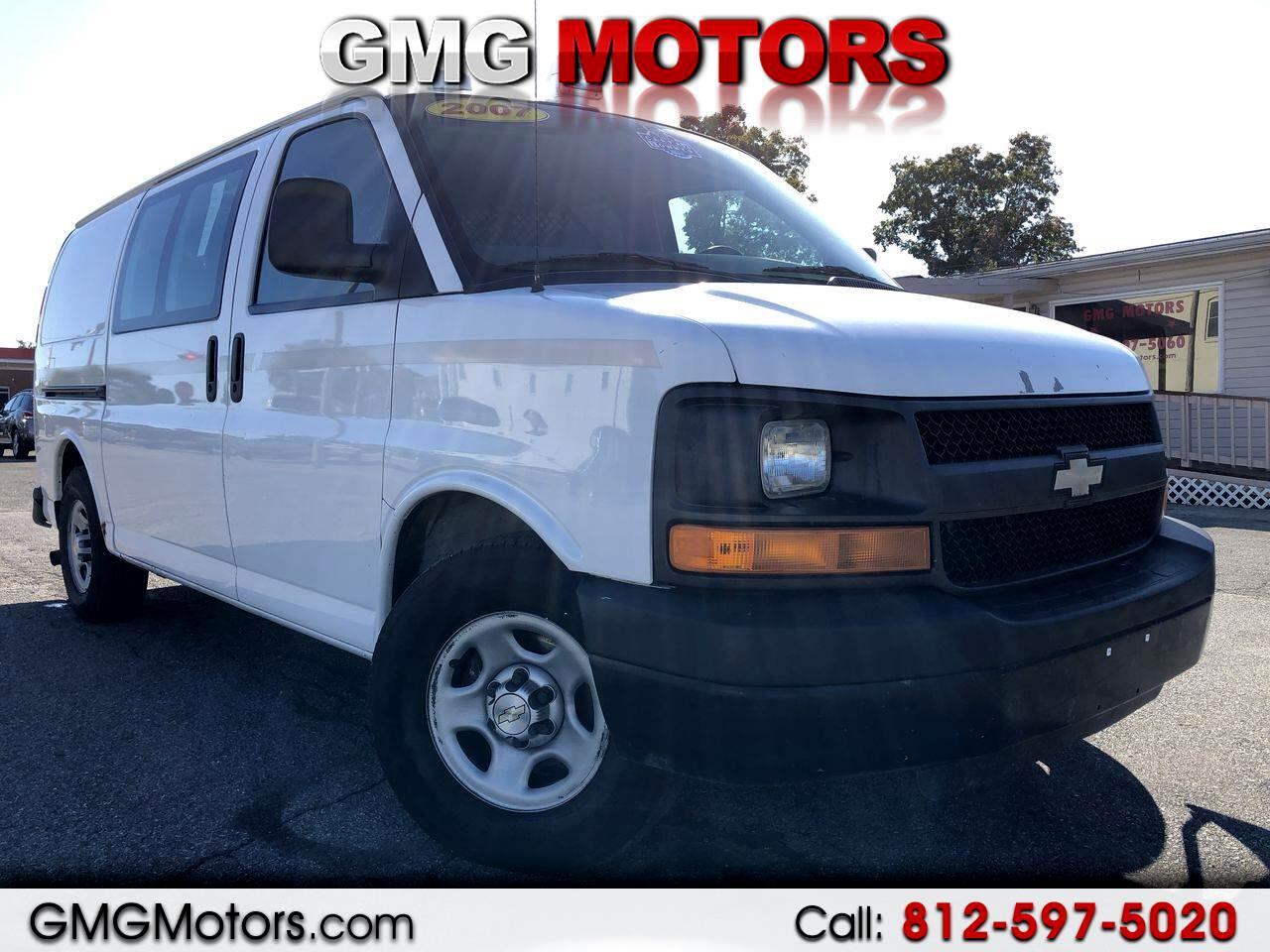 """Chevrolet Express Cargo Van RWD 1500 135"""" 2007"""