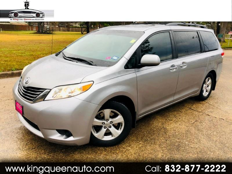 Toyota Sienna LE FWD 8-Passenger Seating 2011