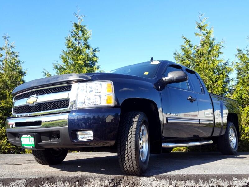 """2011 Chevrolet Silverado 1500 4WD Ext Cab 143.5"""" LT"""