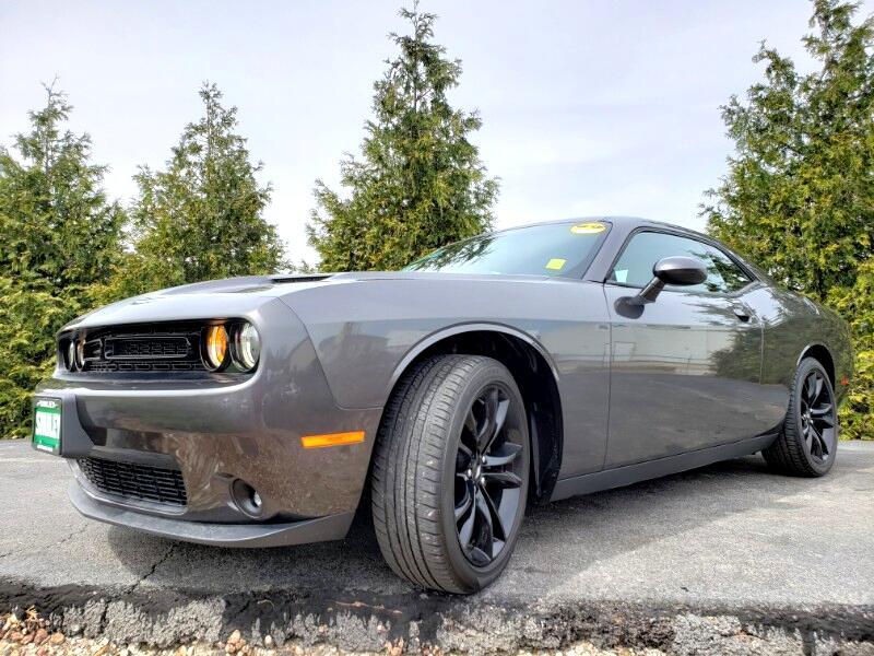 2017 Dodge Challenger 2dr Cpe SXT Plus