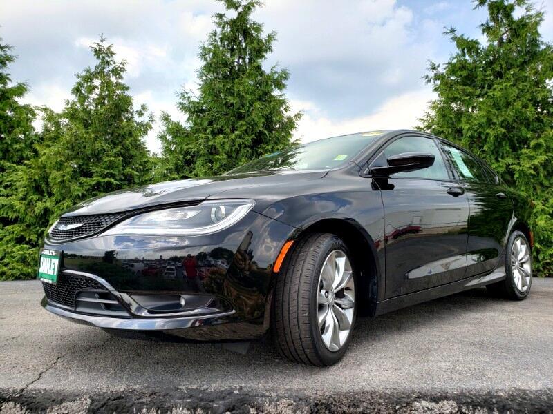 2016 Chrysler 200 4dr Sdn S FWD