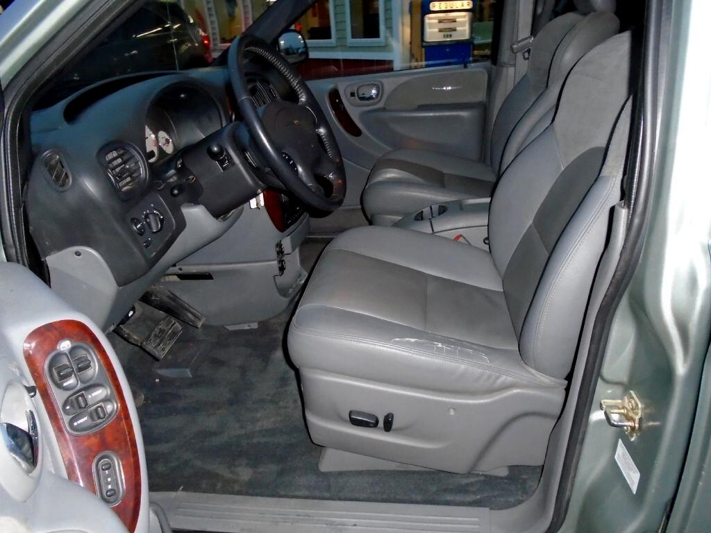 2004 Chrysler Town & Country Limited