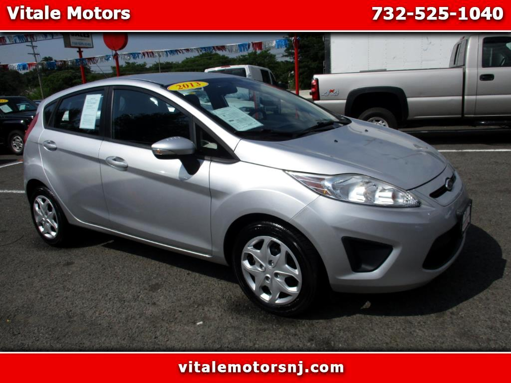 2013 Ford Fiesta SE HATCHBACK MANUAL SHIFT