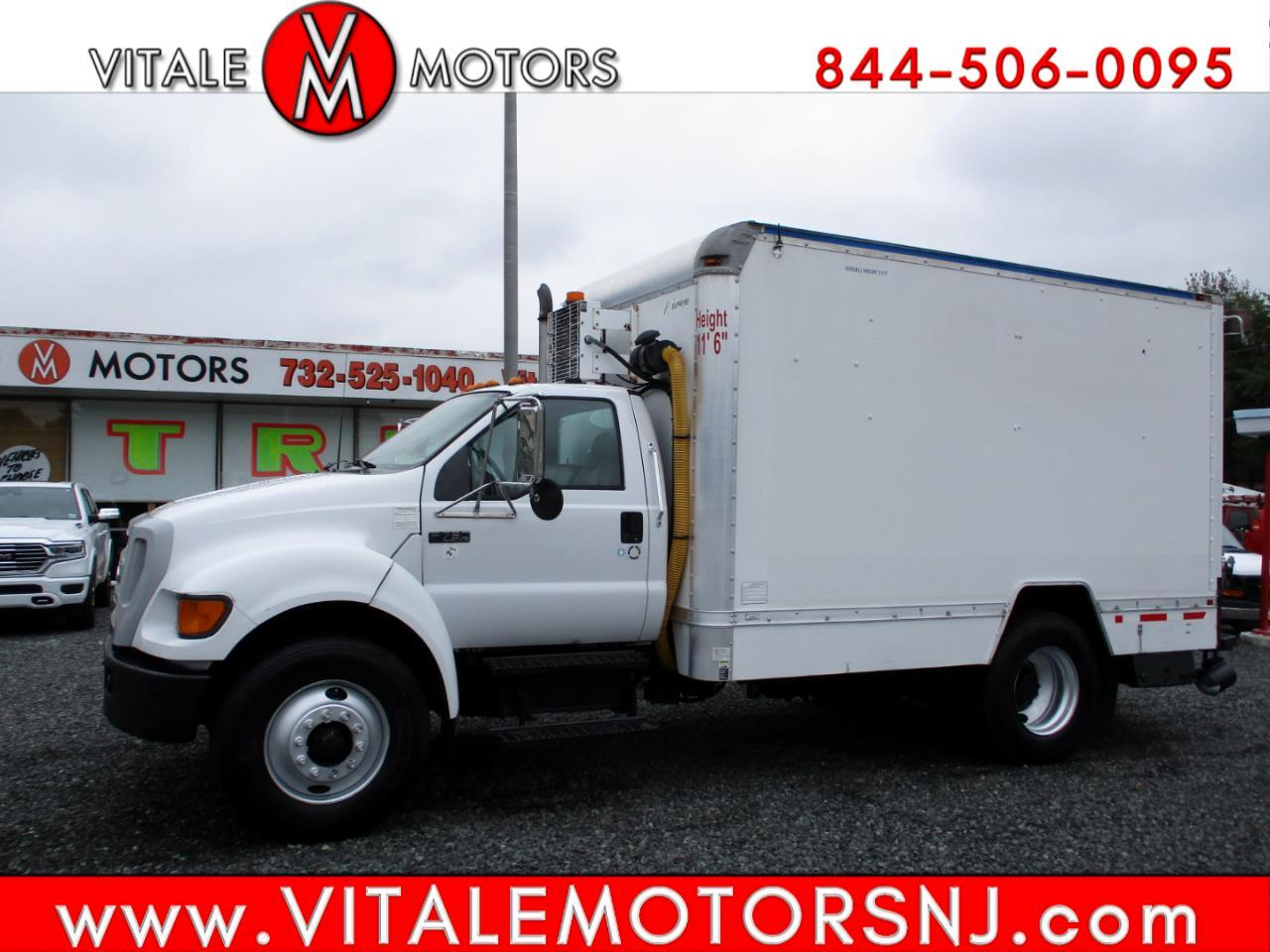 Ford F-750  2006