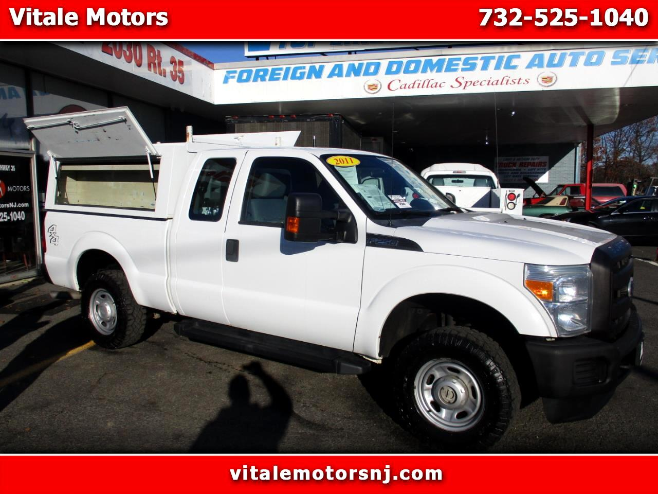 2011 Ford F-250 SD XL SUPER CAB 4WD W/ CAP