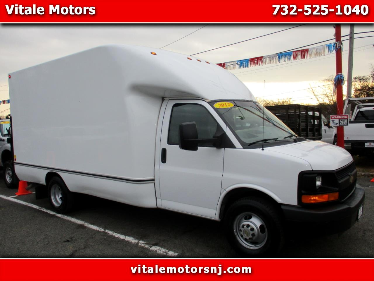 2012 Chevrolet Express G3500 BOX TRUCK 14 FOOT W/ LIFT GATE