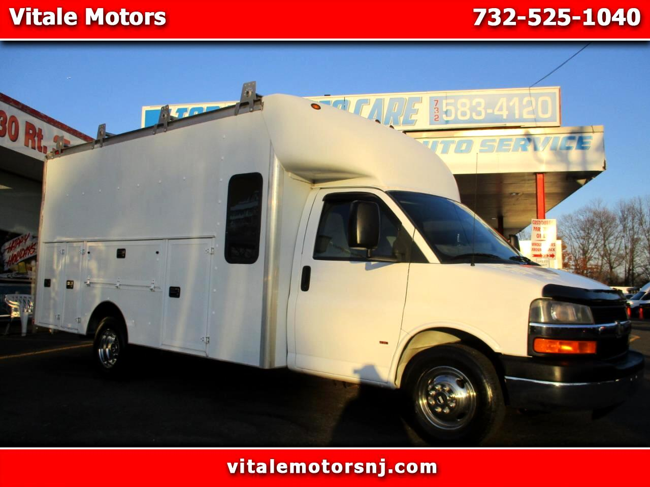 2008 Chevrolet Express UTILITY BOX TRUCK W/ REAR SEAT
