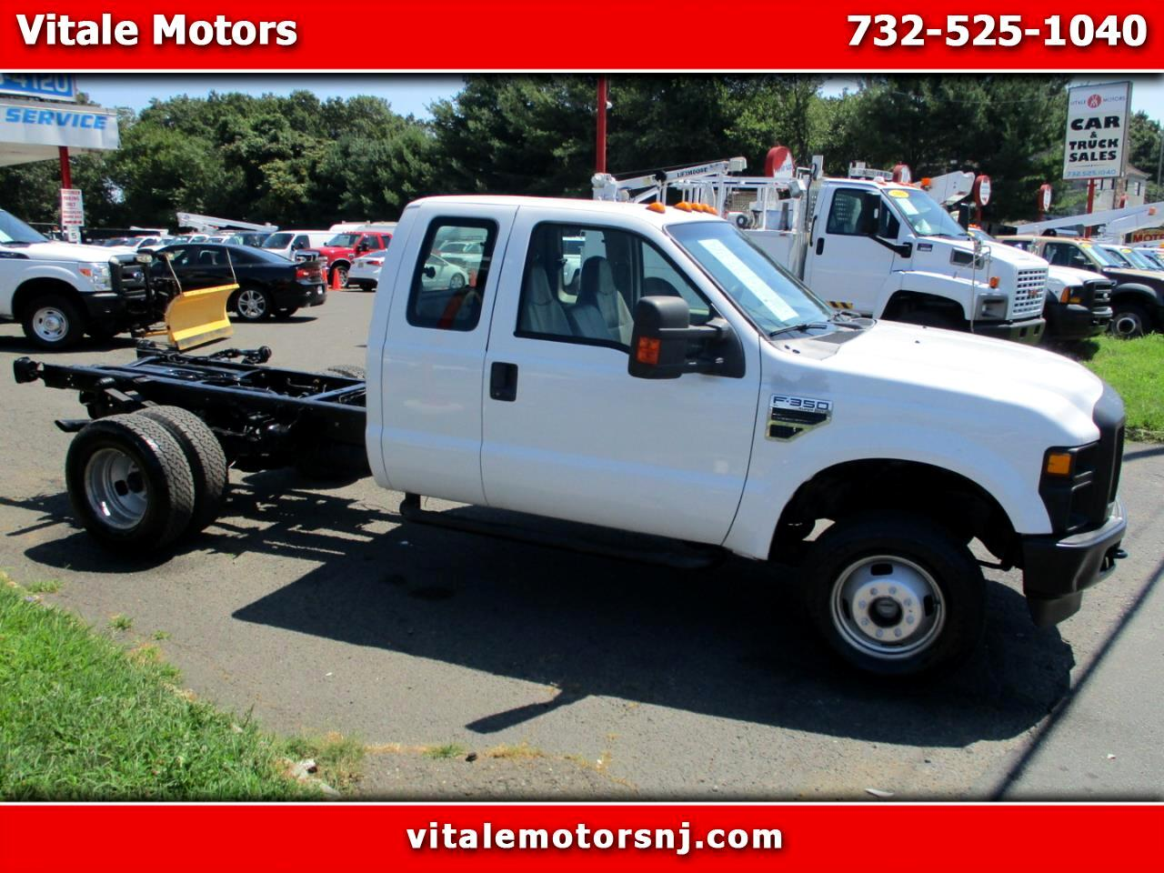 2008 Ford F-350 SD CAB & CHASSIS 4X4 ONLY 17K MILES DRW