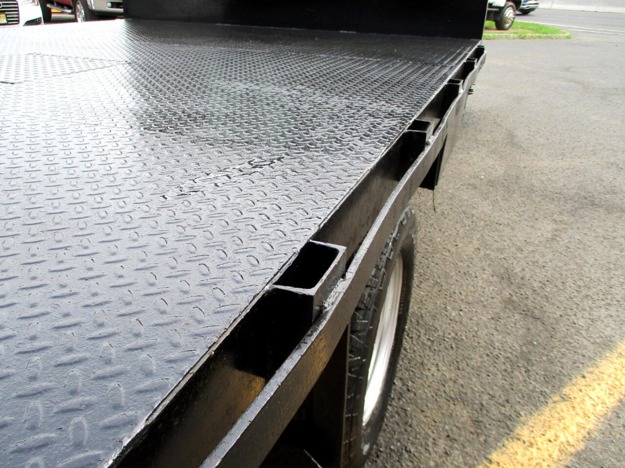 2015 Ford F-350 SD 12 ' FLAT DECK / GOOSE NECK TOW BALL / RACK BODY T