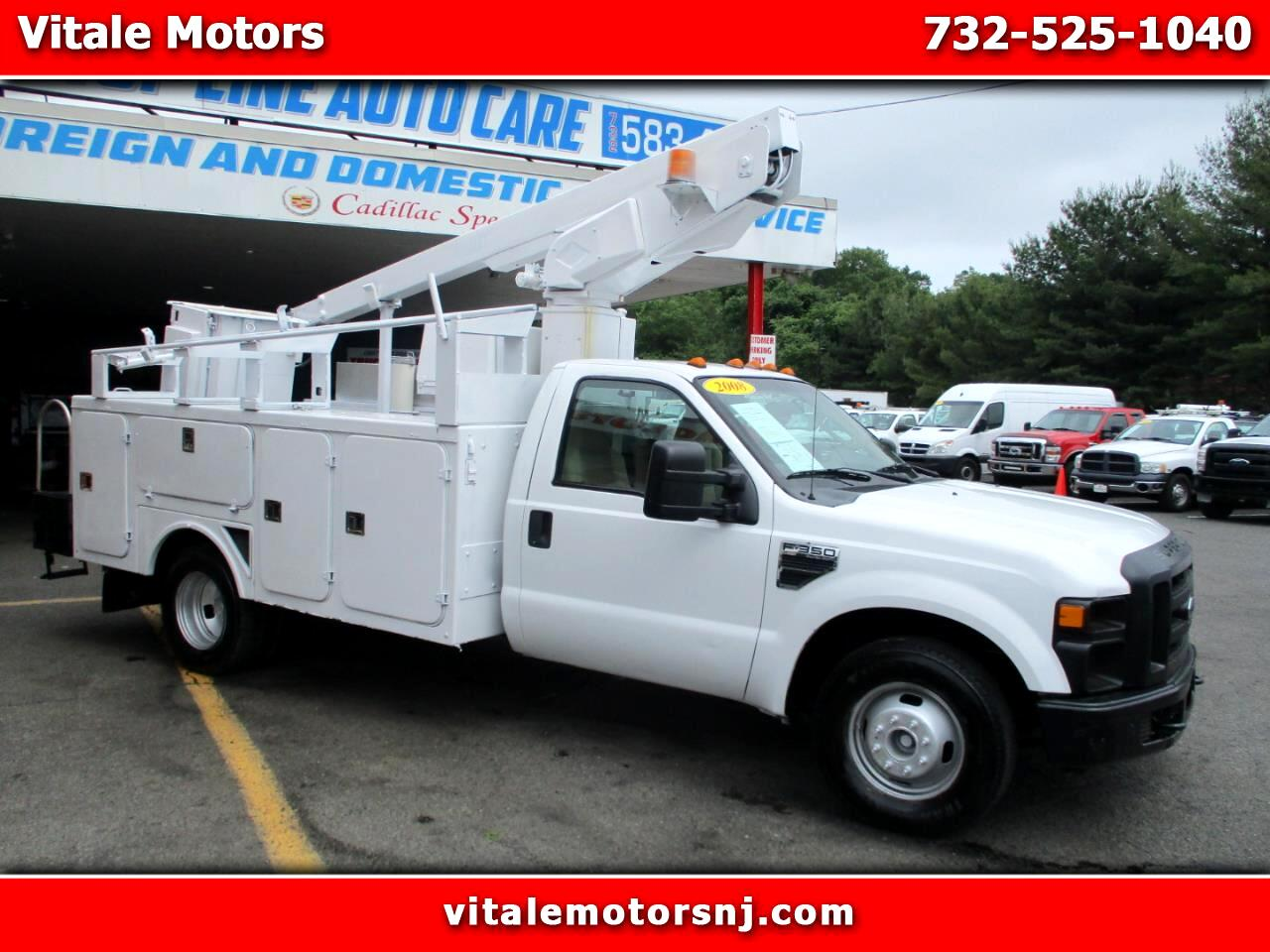 2008 Ford F-350 SD BUCKET TRUCK ** ONLY 46K MILES **