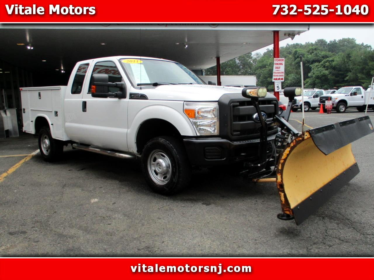 2011 Ford F-250 SD SUPER CAB 4X4 UTILITY BODY W/ SNOW PLOW