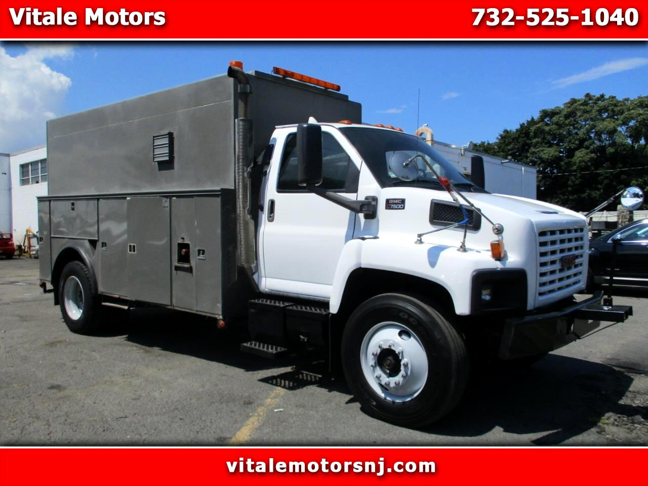 2006 GMC C7C042 C 7500 UTILITY W/ HEAVY DUTY WINCH & OUTRIGGERS