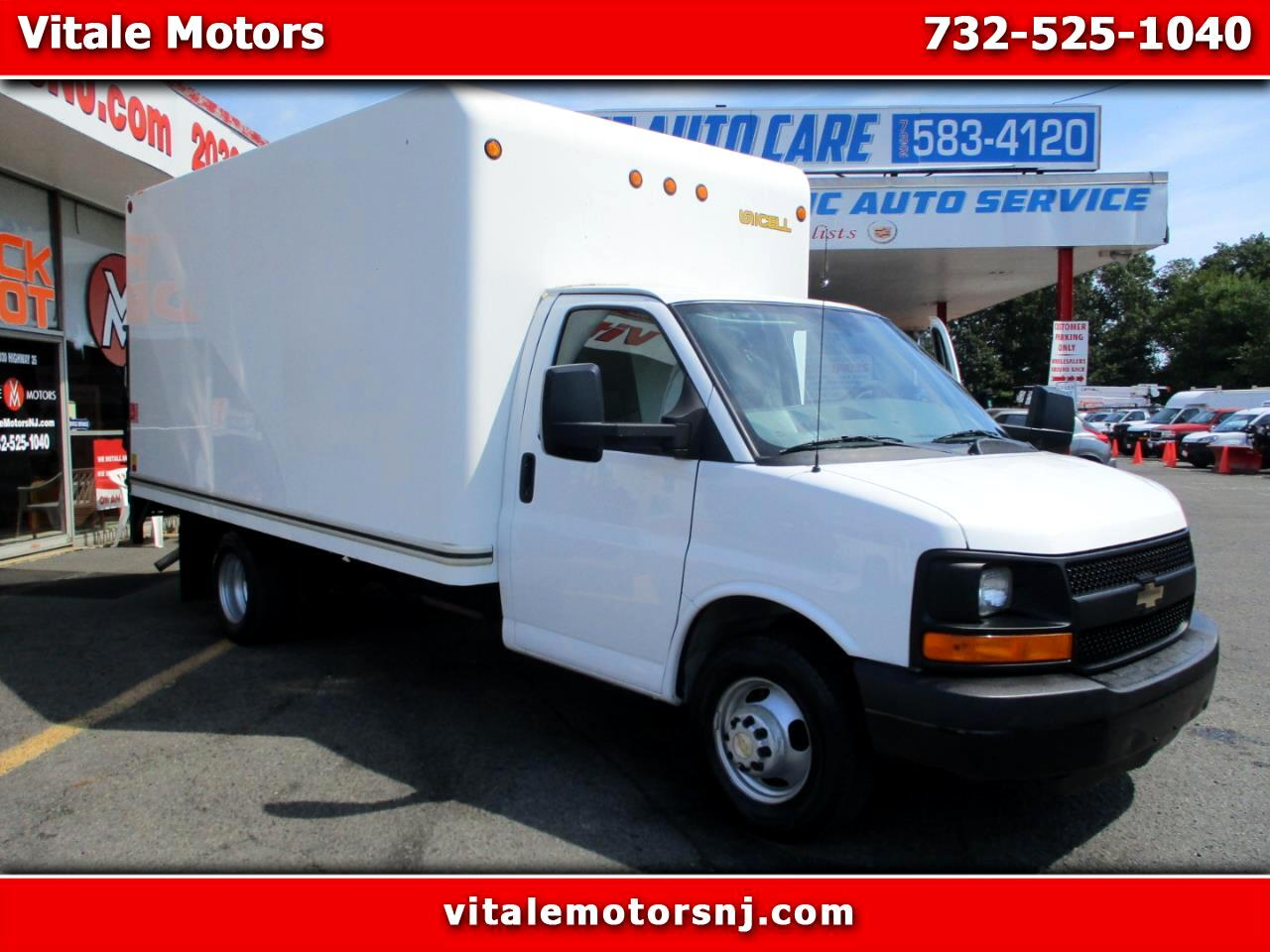 2013 Chevrolet Express G3500 14 FOOT BOX TRUCK W/ LIFTGATE