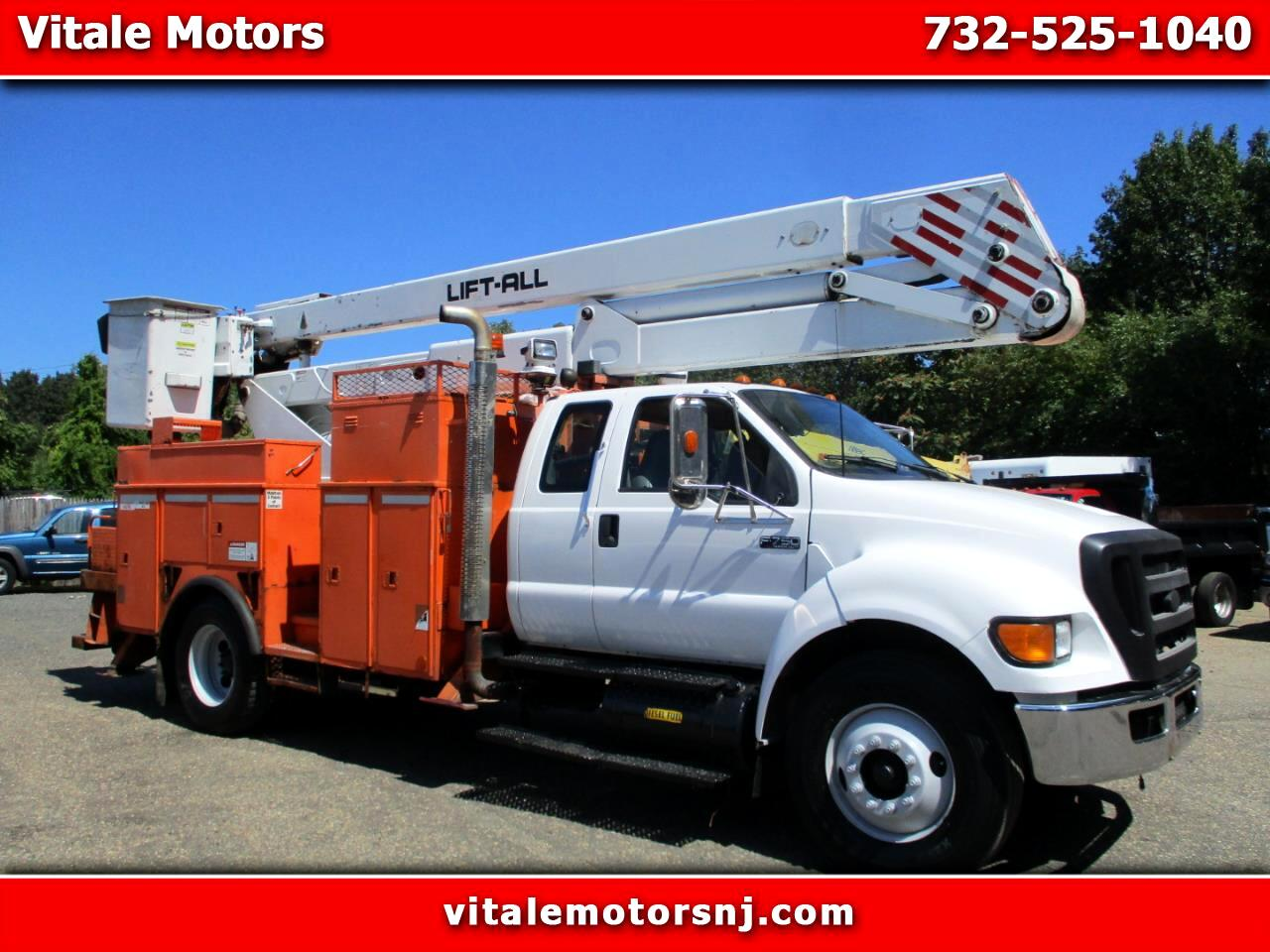 2006 Ford F-750 SUPER CAB BUCKET TRUCK 55 FOOT REACH