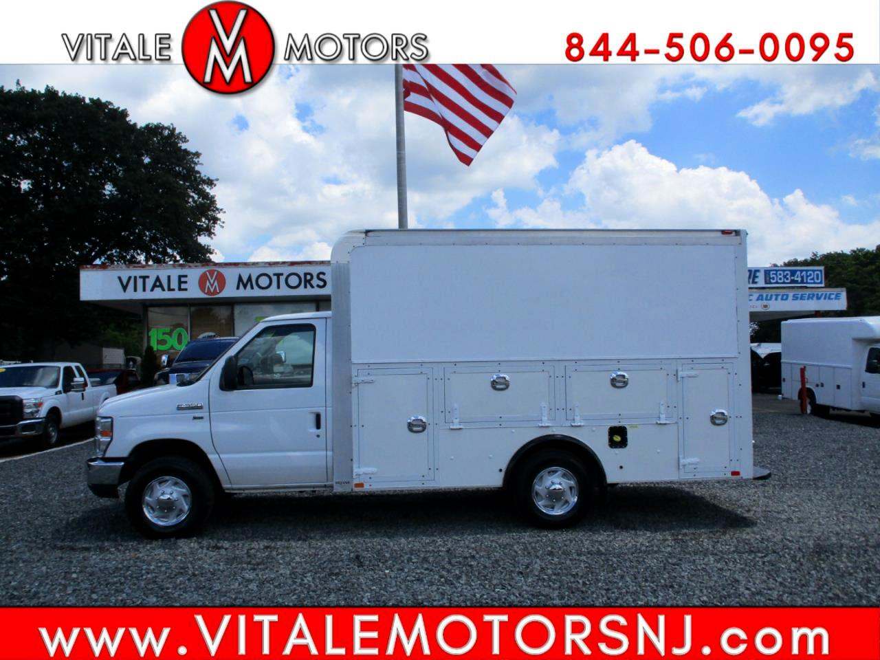 Ford Econoline Commercial Cutaway  2014