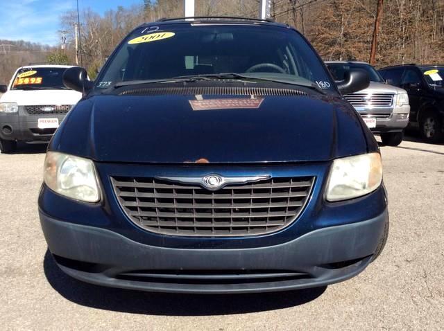2001 Chrysler Voyager Base
